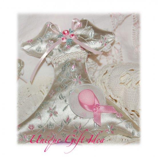 Vintage Victorian Dress - Lavender Sachet - Unique Gift Idea - Sachets