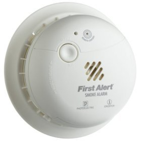 FIRST ALERT Ultimate Smoke Alarm NEW SA302 battery operated