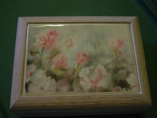 White Washed Wooden Musical Jewelry Box Pink Rose Covered Tile Lid  #900357