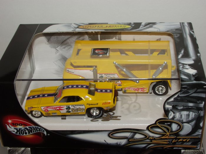 "Hot Wheels 100% Collectibles Don ""The Snake"" Funny Car 2 Car Set 1/64 Scale"