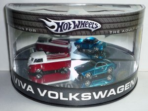 2005 Hot Wheels Showcase Viva Volkswagen 2 Car Set