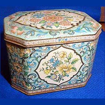 Vintage Daher Flower Tin With Hinged Lid Soap Spoon Metalware in Pinks Blues