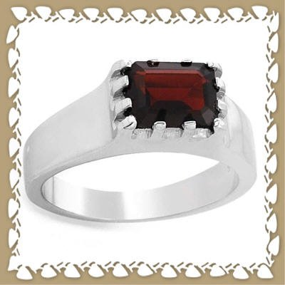 Beautifully Crafted Genuine Garnet Ring Sz 11