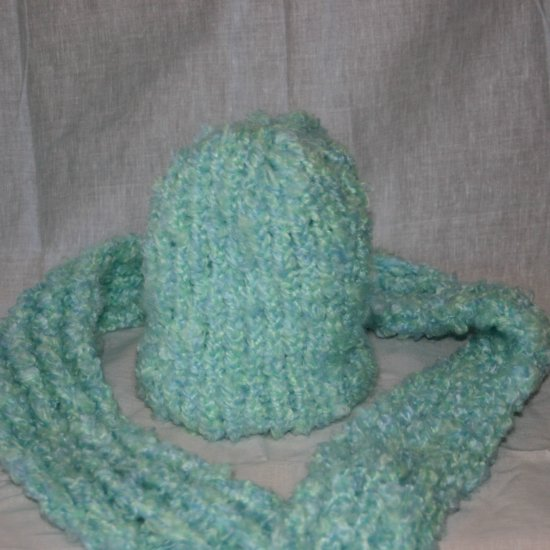 Minty blue green hat and scarf set