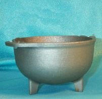 "Cast Iron Cauldron 3 1/2"" dia 8 oz"
