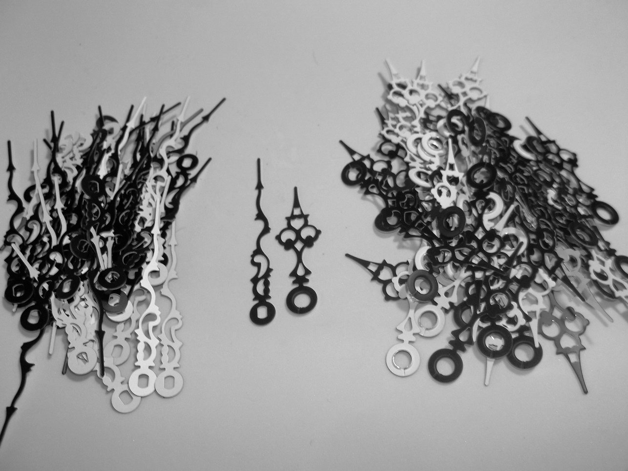 25 Pairs New Black Serpentine Clock Hands (No9) For Scrapbooking, Steampunk, Embellishment
