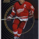 Steve Yzermen 1997/1998 Pinnacle, Inside Track NHL Hockey Insert Card #9 of 30