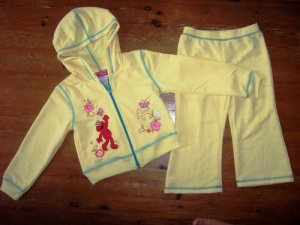 Elmo Yellow Hooded Set for 5 Years old (RM60) / (S$30)