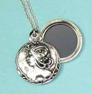 Art Nouveau Style Locket and chain - hold your sweethearts picture
