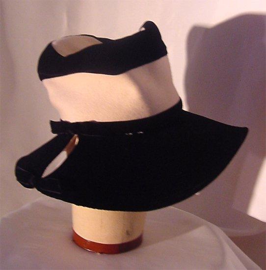 Vintage Paul Bensam 1940 1950 womans hat Black White Wide brimmed coiled sewn brim Ladies hat  54
