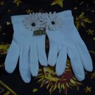 Vintage gloves White with daisy on wrist Never worn  No. 31