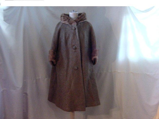 Sage Green vintage womens coat Fur collar Curlinda loomed by Stanley  #55