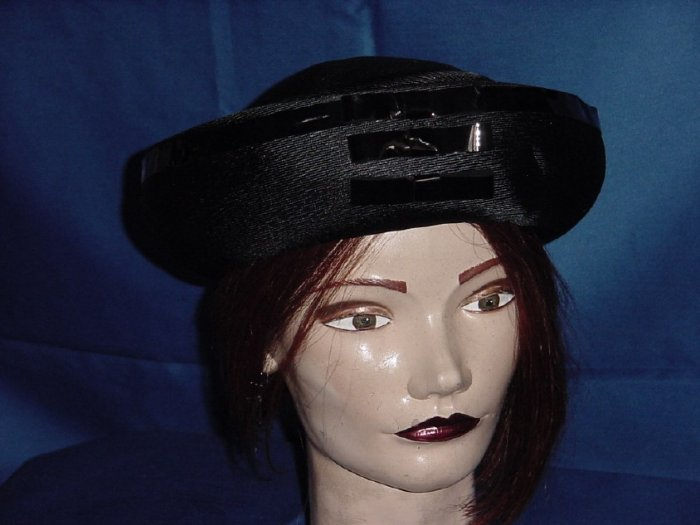 Black turned up brim hat poly straw shiny Leather bows No. 82