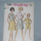 Simplicity 7098 Wrap Skirt Blouse Shorts in half size 18 1/2 Bust 39  No. 30