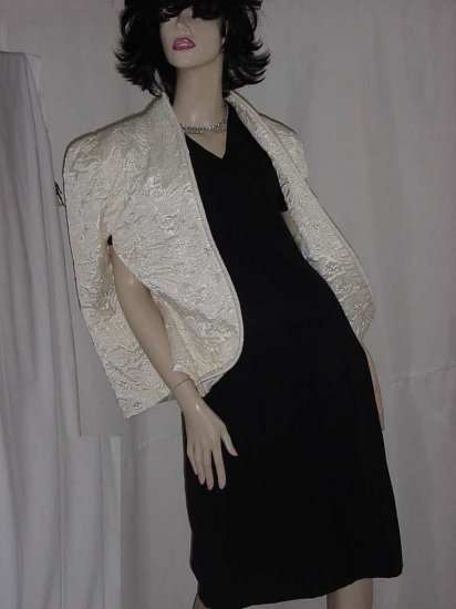 Creamy 1940s 1950s candlelight cape Unusual Color Quilted No. 109