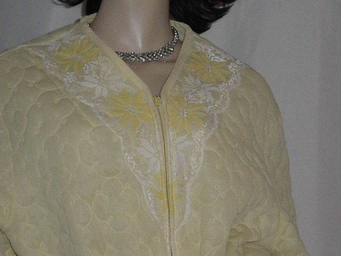 Gaymode Vintage robe lounger Yellow quilted robe  dressing gown No 121