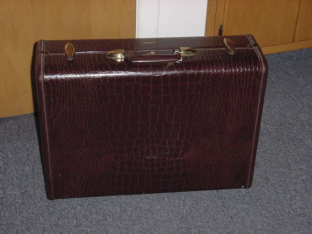 Vintage Large Samsonite Faux Alligator Luggage Suitcase Travel Wardrobe case