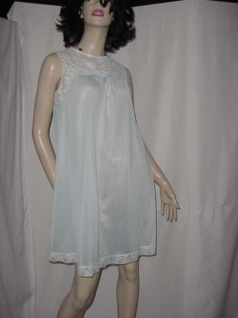 Henson Kickernick Small free bust nightgown pastel blue    No. 134