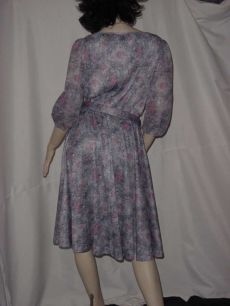 70s 1980s polyester dress pleat top elbow sleeves knee length  NO. 142