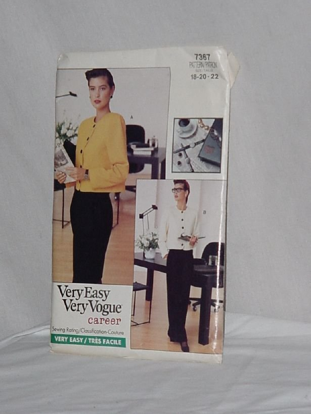 7367 Very Easy Very Vogue Career size 18-20-22  No. 165