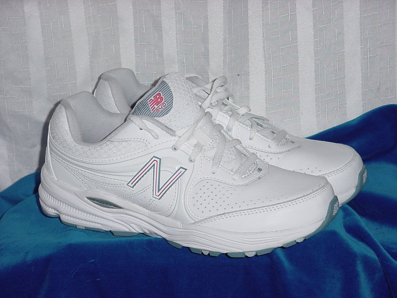New Balance Women's Walking Training Shoes WW840WP White Pink Size 10 B 189