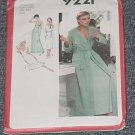 9221 Simplicity Sewing Pattern Robe Bias Nightgown Uncut  No. 250