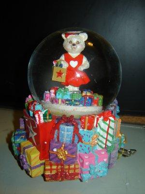 Go Red for Women musical holiday waterglobe Christopher Radko & Macy's 2004 bear music box