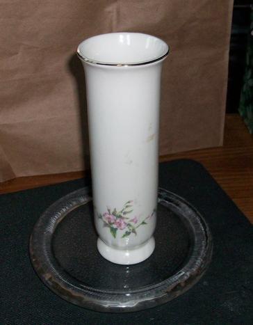 Russ Berrie Glass Vase 4442