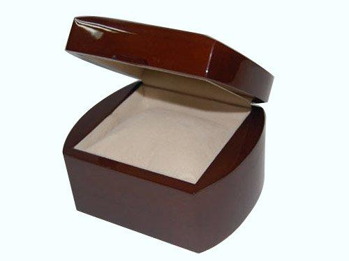 Box044