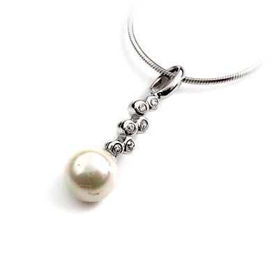 24911-Sterling silver pendant with pearl
