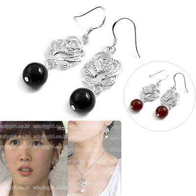 24524-sterling silver with agate earring