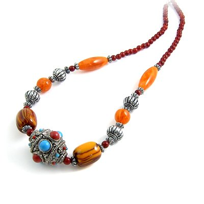 24605-resin with alloy necklace