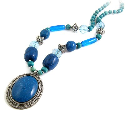 24613-resin with alloy necklace