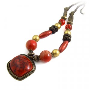 24614-resin with alloy necklace