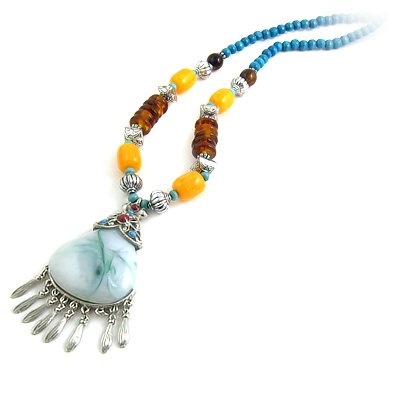 24618-resin with alloy necklace