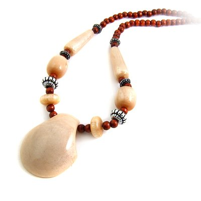 24622-resin with alloy necklace