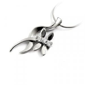 24663-Sterling silver with rhinestoe  pendant