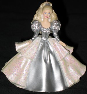Holiday Barbie- Collector�s Club - 5th & Final 1992 Happy Holidays Barbie