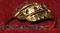 3 Sapphire stones in European 14kt gold ring