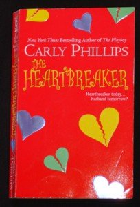 Carly Phillips ~ THE HEARTBREAKER ~ 2004 Pb