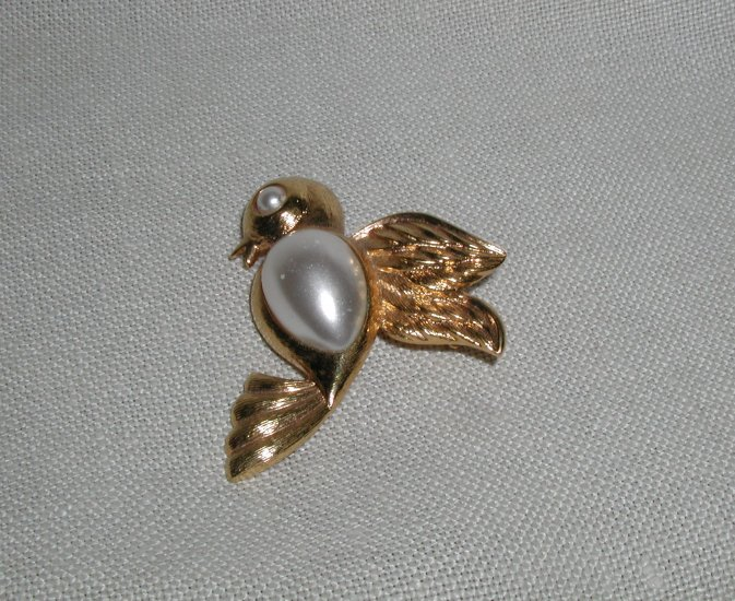 Vintage Napier Pearl Jelly Belly pin Dove Bird