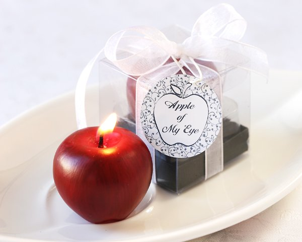 """""""Apple of My Eye"""" Mini-Candle in Gift Box with Ribbon and Tag"""