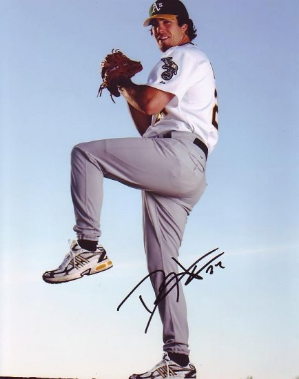 DAN HAREN SIGNED OAKLAND A'S 8X10 PHOTO