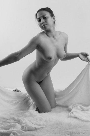 Hot naked Asian Screen Saver...digital file