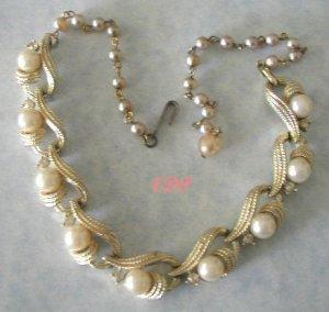 LISNER Golden Rhinestone Pearl Adjustable Necklace