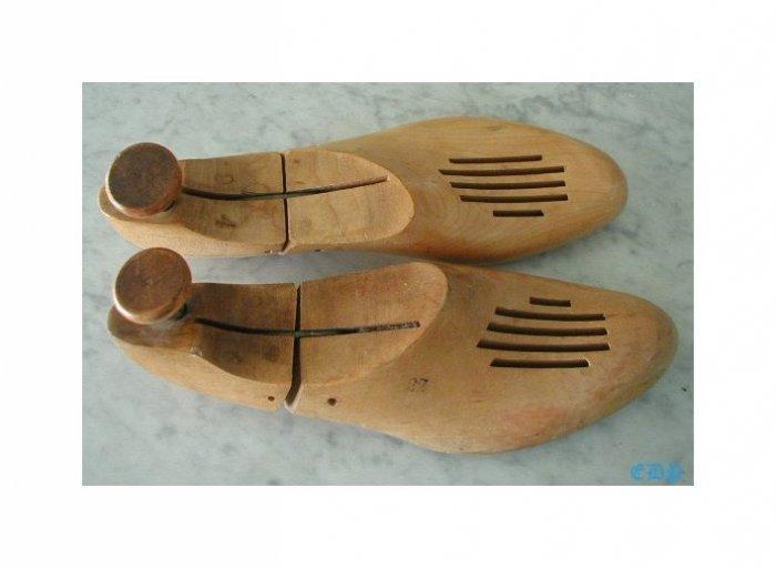 Pair Antique Wooden Wood Shoe Stretchers Men's Gents