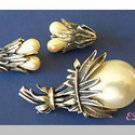 Botticelli Faux Pearl Large Flower Brooch Clip Earrings