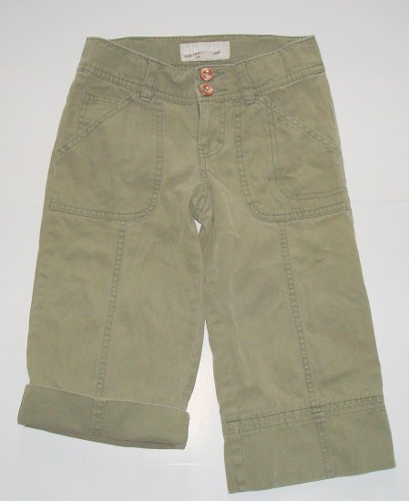 OLD NAVY Army Green Capris/Cropped Pants Girls 7