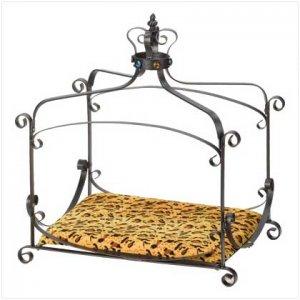 Royal Splendor Pet Bed