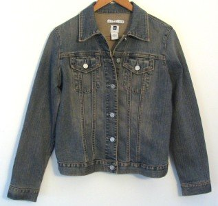 *Womens Gap Stretch Jean Jacket. Medium  2 Pocket Button